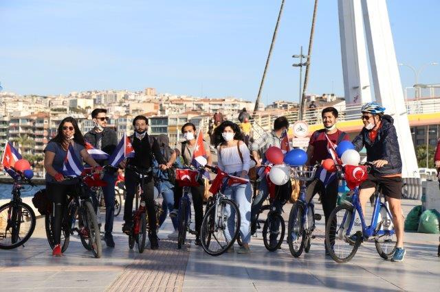 Bicicletada contra el bloqueo, Izmir, Turquía